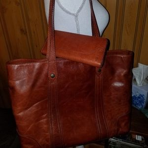 FRYE XL MELISSA LEATHER TOTE COMBO WALLET